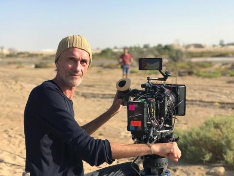 Samuel Doux movie Dune Dreams; Arri Alexa Mini and StarliteHD working steadily in the heat and sandy wind of Dubai, 2019